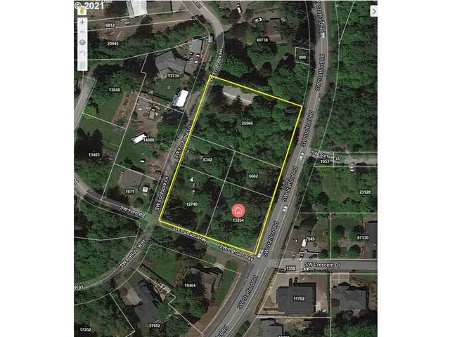 1805 SW Pattulo Way, West Linn, OR 97068 (MLS #21199131) :: Keller Williams Portland Central