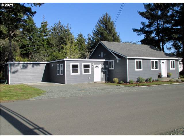 87 North Ave SE, Bandon, OR 97411 (MLS #21199380) :: Real Tour Property Group