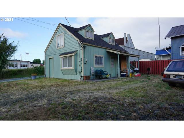 451 4TH St, Myrtle Point, OR 97458 (MLS #21200604) :: Windermere Crest Realty