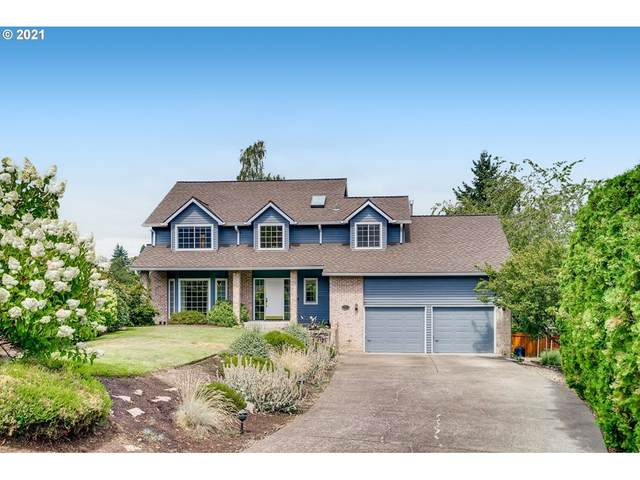 2919 SW Luradel Ln, Portland, OR 97219 (MLS #21203877) :: Real Tour Property Group