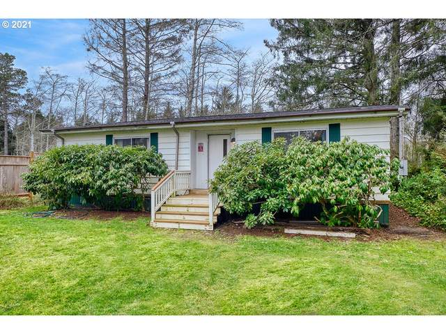 32205 Q Pl, Ocean Park, WA 98640 (MLS #21204791) :: The Liu Group
