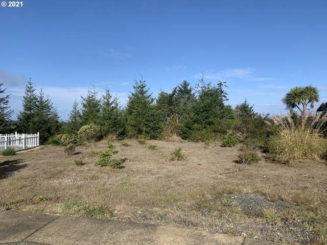 2 Nautical Ct #1700, Coos Bay, OR 97420 (MLS #21205090) :: McKillion Real Estate Group