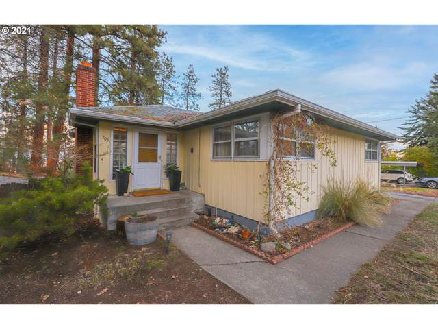 2021 W Scenic Dr, The Dalles, OR 97058 (MLS #21209392) :: Beach Loop Realty