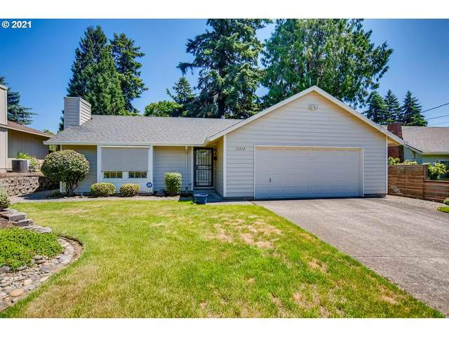 12012 SE 35TH Ave, Milwaukie, OR 97222 (MLS #21211032) :: The Liu Group