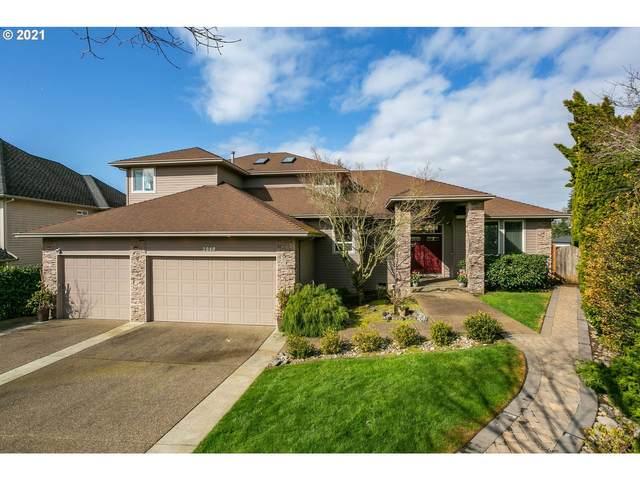 3948 Roxbury Dr, West Linn, OR 97068 (MLS #21213537) :: Duncan Real Estate Group