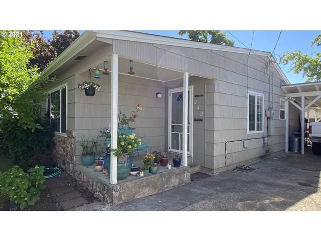 242 W Bradford Ave, Roseburg, OR 97471 (MLS #21213544) :: Real Tour Property Group