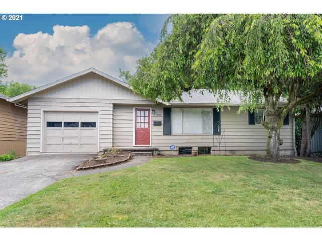 3341 SW Marigold St, Portland, OR 97219 (MLS #21215703) :: Holdhusen Real Estate Group