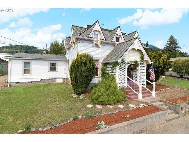 230 NW First Ave, Myrtle Creek, OR 97457 (MLS #21219471) :: Townsend Jarvis Group Real Estate