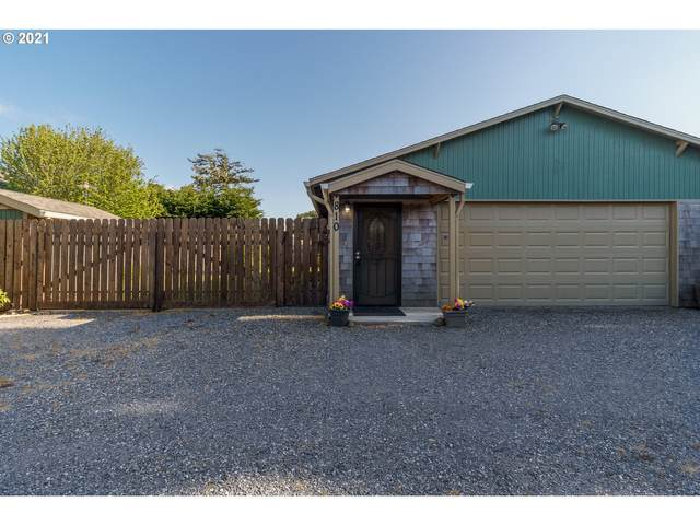 810 SE Division Ave, Bandon, OR 97411 (MLS #21219703) :: Premiere Property Group LLC