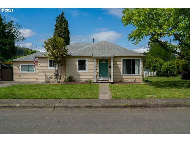 812 W Fairhaven St, Roseburg, OR 97471 (MLS #21220453) :: Real Estate by Wesley