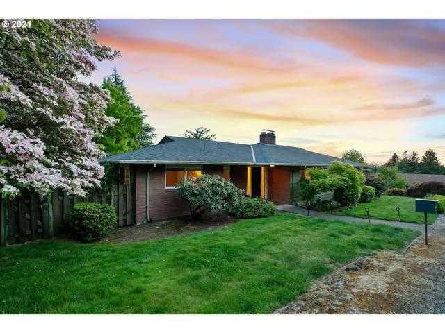 2660 SW Hamilton Ct, Portland, OR 97239 (MLS #21220968) :: Song Real Estate