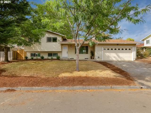 6915 SE Plum Dr, Milwaukie, OR 97222 (MLS #21221079) :: McKillion Real Estate Group