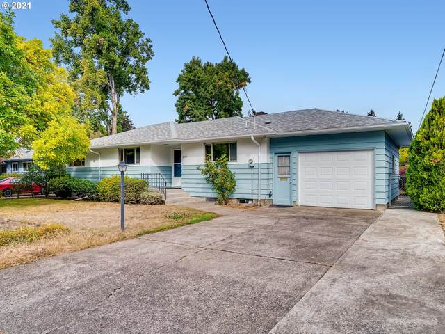 3507 SE Roswell St, Milwaukie, OR 97222 (MLS #21221317) :: Fox Real Estate Group