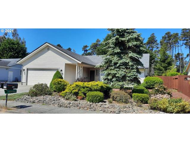 3929 Spruce St, Florence, OR 97439 (MLS #21224630) :: Lux Properties