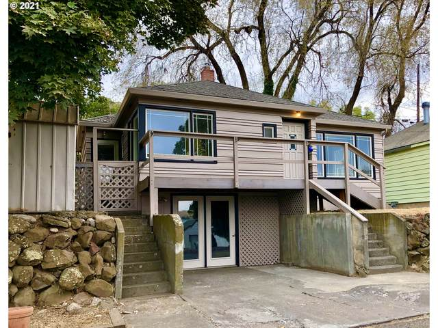 924 SW Goodwin Pl, Pendleton, OR 97801 (MLS #21224782) :: Fox Real Estate Group