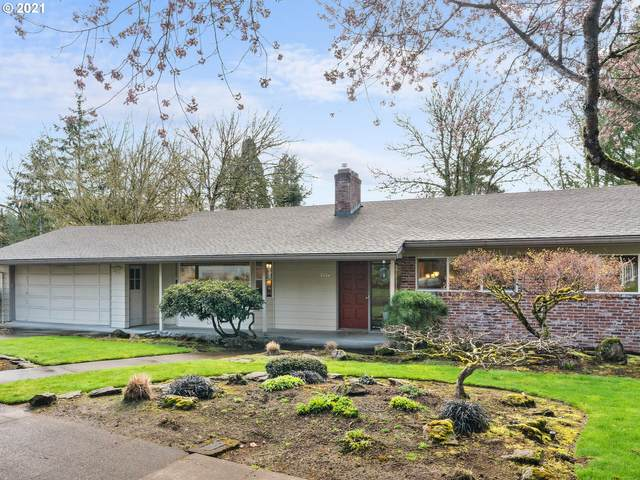 5570 SW Dover Ln, Portland, OR 97225 (MLS #21225356) :: Change Realty