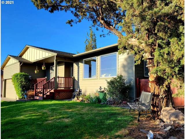 2431 SW 34TH Dr, Redmond, OR 97756 (MLS #21234845) :: Townsend Jarvis Group Real Estate