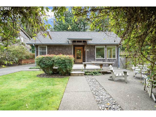 579 N Beech St, Cannon Beach, OR 97110 (MLS #21236684) :: Oregon Farm & Home Brokers