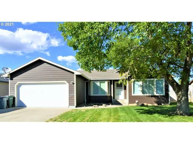2305 E O Ct, La Grande, OR 97850 (MLS #21239749) :: McKillion Real Estate Group