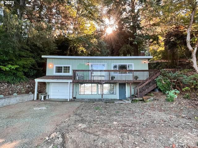 2845 NE East Devils Lake Rd, Otis, OR 97368 (MLS #21242497) :: Lux Properties