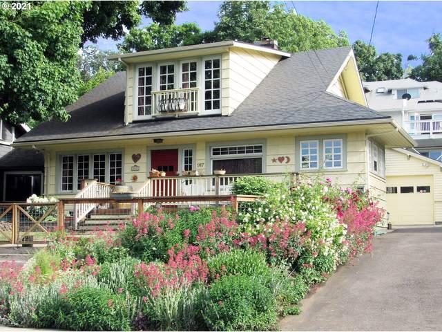 917 Cascade Ave, Hood River, OR 97031 (MLS #21246190) :: Keller Williams Portland Central