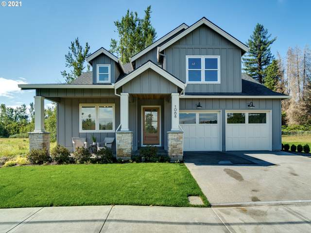 1068 9TH St, West Linn, OR 97068 (MLS #21250102) :: Fox Real Estate Group