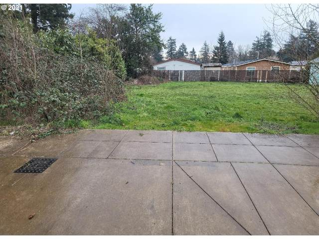 SE 131ST Ave, Portland, OR 97236 (MLS #21250888) :: The Pacific Group