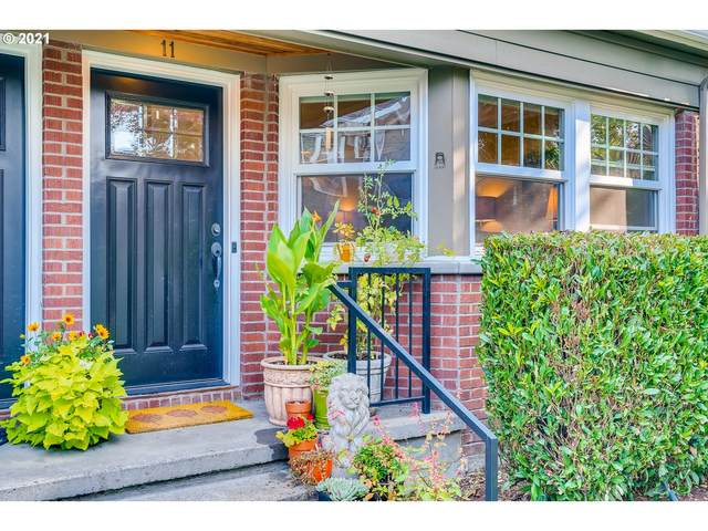 2555 NW Savier St #11, Portland, OR 97210 (MLS #21250971) :: Change Realty