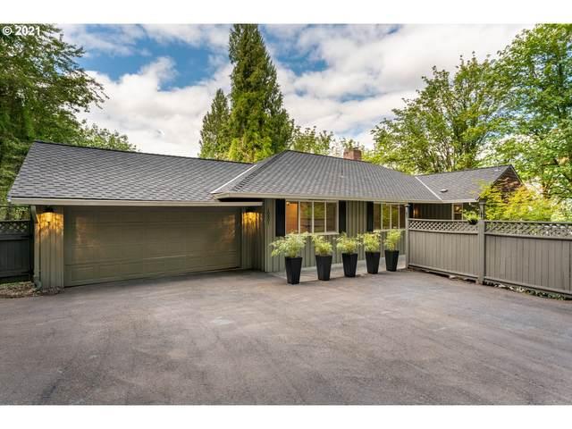 10901 S Riverside Dr, Portland, OR 97219 (MLS #21251150) :: The Haas Real Estate Team