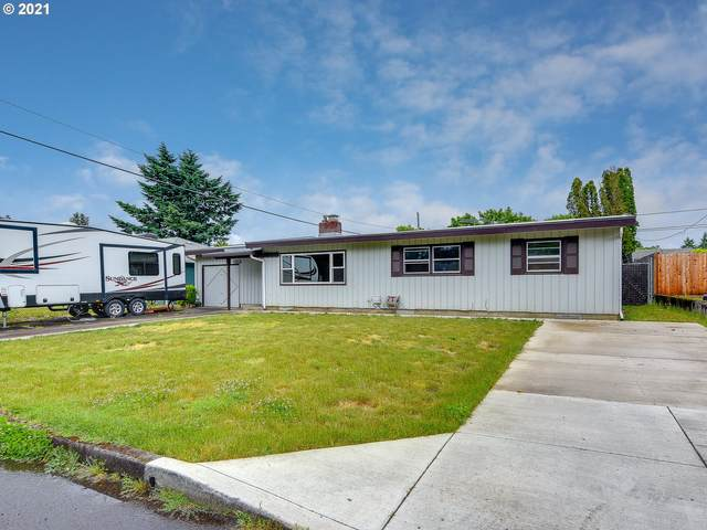 8529 SE King Rd, Happy Valley, OR 97086 (MLS #21251637) :: Lux Properties
