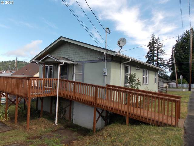 930 Spruce St, Myrtle Point, OR 97458 (MLS #21251981) :: Song Real Estate