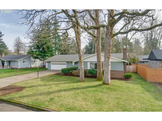 5244 SE Oetkin Way, Milwaukie, OR 97267 (MLS #21264552) :: Fox Real Estate Group