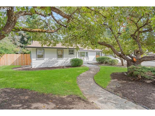 8722 SE 40TH Ave, Milwaukie, OR 97222 (MLS #21265956) :: Holdhusen Real Estate Group