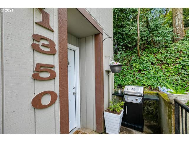 1350 SW Custer Dr, Portland, OR 97219 (MLS #21266383) :: The Pacific Group