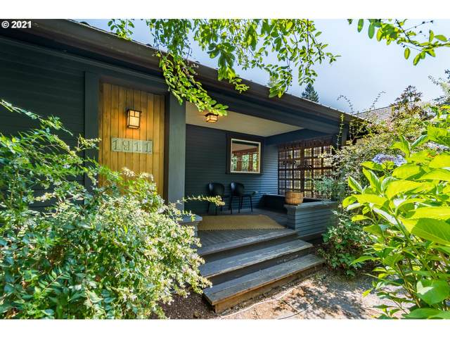1911 Moss St, Eugene, OR 97403 (MLS #21267422) :: The Pacific Group