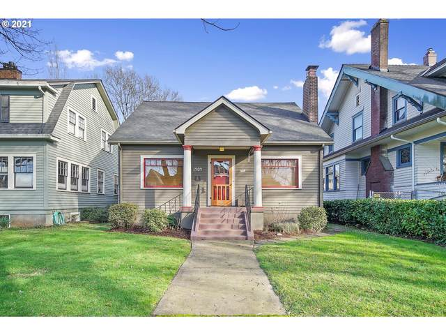 1904 SE Ladd Ave, Portland, OR 97214 (MLS #21270119) :: Premiere Property Group LLC
