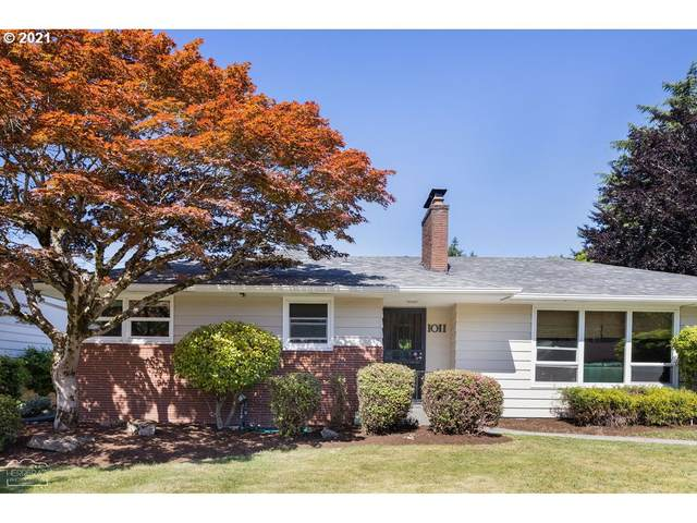 1011 NE 108TH Ave, Portland, OR 97220 (MLS #21270451) :: Real Tour Property Group