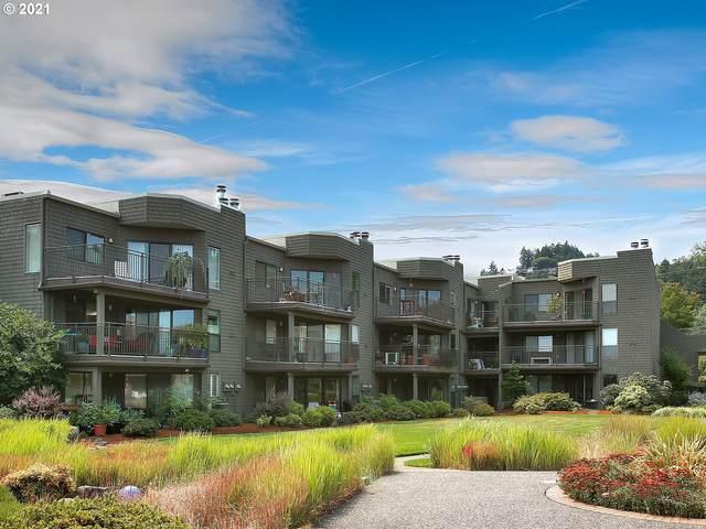 5630 S Riverside Ln #7, Portland, OR 97239 (MLS #21271233) :: Premiere Property Group LLC