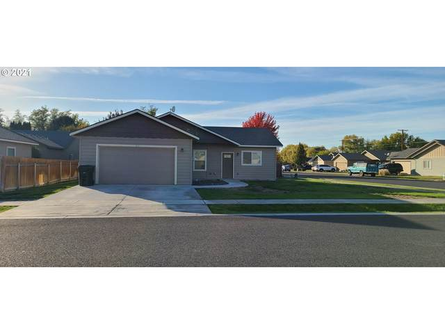910 SW 14TH Pl, Hermiston, OR 97838 (MLS #21277136) :: Premiere Property Group LLC