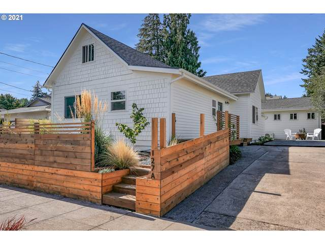 127 SE 75TH Ave, Portland, OR 97215 (MLS #21277303) :: Lux Properties