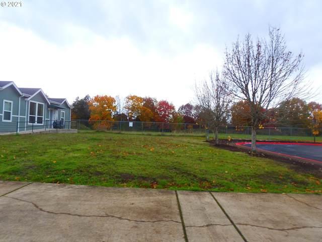 2203 Maia Loop, Springfield, OR 97477 (MLS #21280225) :: Windermere Crest Realty
