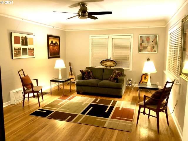 3031 SE 53RD Ave, Portland, OR 97206 (MLS #21282055) :: Holdhusen Real Estate Group