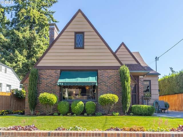 2406 NE 32ND Ct, Portland, OR 97212 (MLS #21285705) :: Holdhusen Real Estate Group