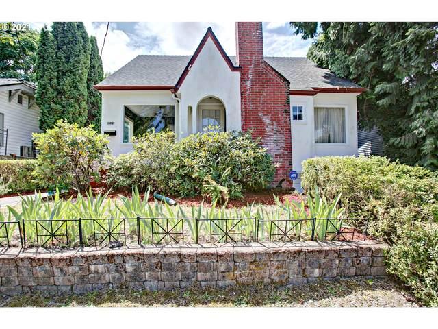 8326 N Fessenden St, Portland, OR 97203 (MLS #21286488) :: Cano Real Estate