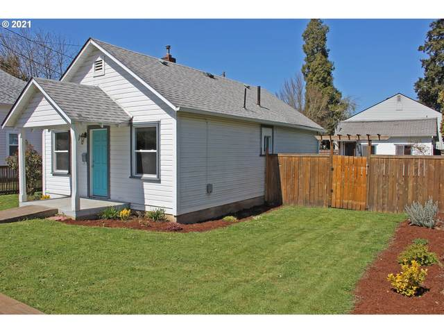 330 E Madison Ave, Cottage Grove, OR 97424 (MLS #21286570) :: Song Real Estate