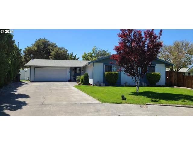 1040 SW 9TH Pl, Hermiston, OR 97838 (MLS #21290213) :: Fox Real Estate Group