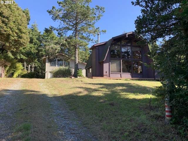 42517 Gull Rd, Port Orford, OR 97465 (MLS #21290262) :: Song Real Estate