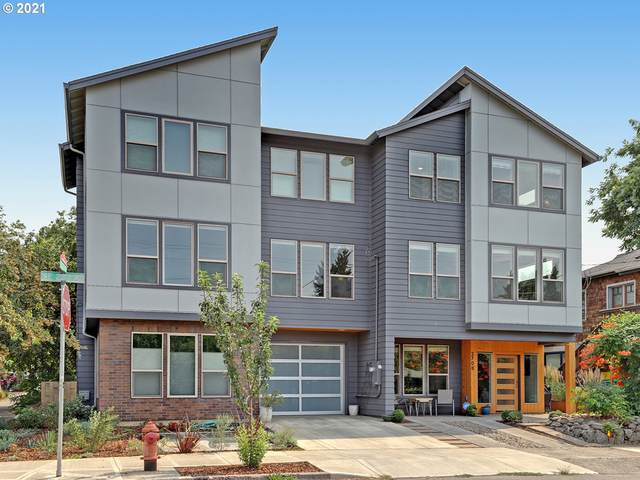 2708 SE 23RD Ave, Portland, OR 97202 (MLS #21293142) :: Lux Properties