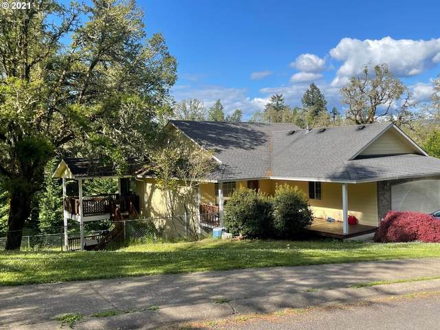 430 Holly Ave, Cottage Grove, OR 97424 (MLS #21294728) :: Change Realty