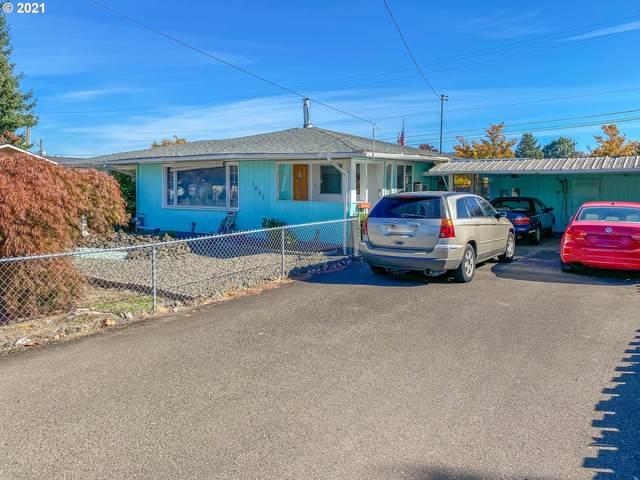 1051 NW Keasey St, Roseburg, OR 97471 (MLS #21295095) :: Premiere Property Group LLC